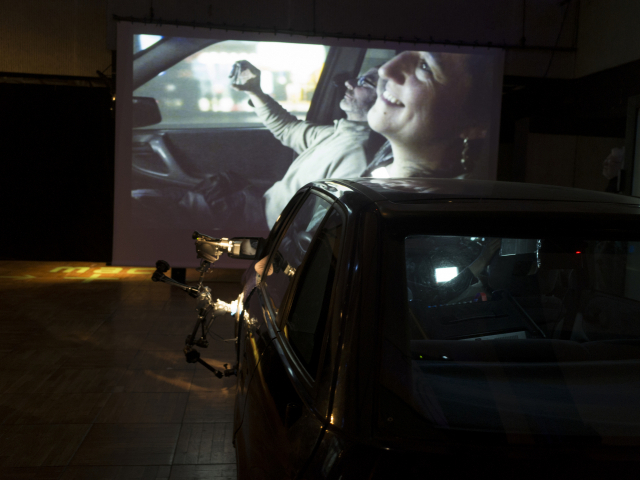 정연두_자동차 극장 Drive in Theater_installation video, variable size, 2013